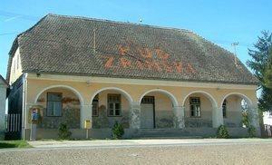 Zgrada kapetanije Vojne krajine u Brodskom Stupniku